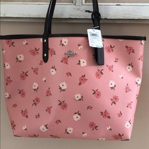 COACH Tossed Peony Reversible City Tote NWT